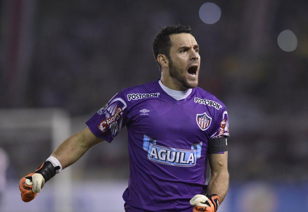 Viera festeja el gol anotado contra Deportivo Lara de Venezuela en la Copa Sudamericana (Archivo