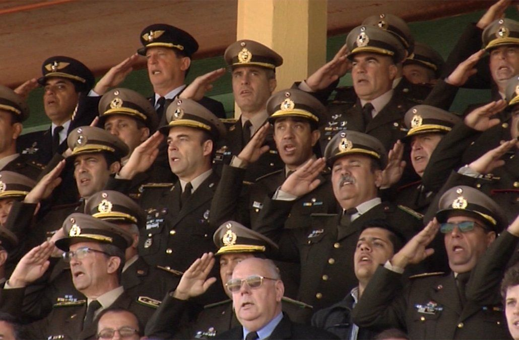 Senadores del FA votaron la reforma de la Caja Militar