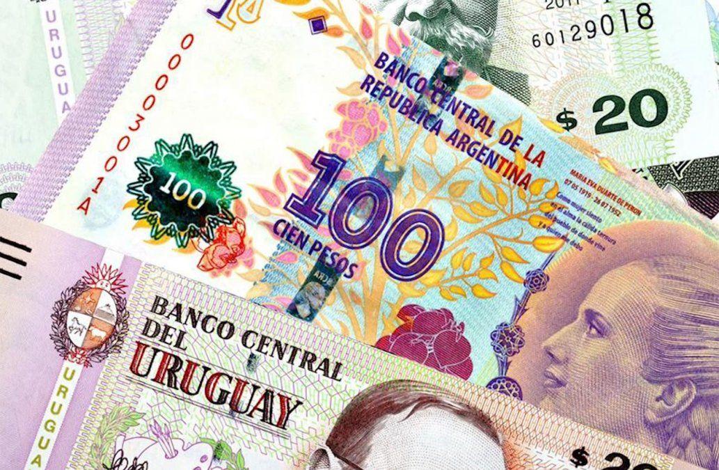 En la otra orilla: por primera vez el peso argentino vale menos que el uruguayo