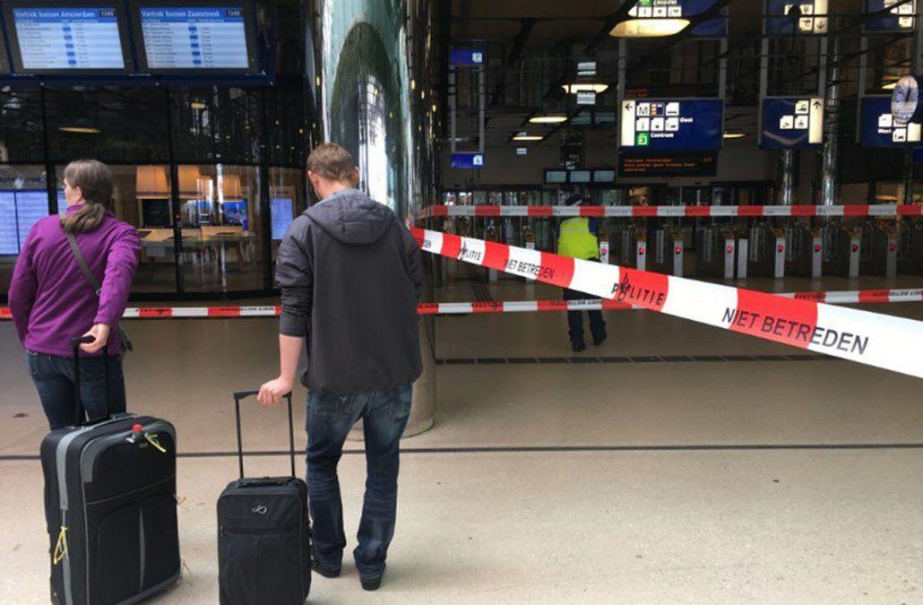 Dos heridos en ataque con cuchillo en la estación ferroviaria de Ámsterdam