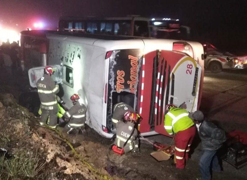 Al menos 11 muertos y 37 heridos dejó un nuevo accidente de ómnibus