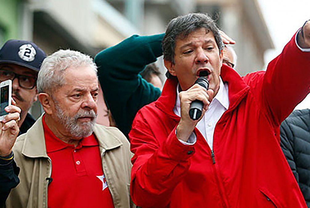 Lula y Haddad en un acto del PT. Hay buena química entre ellos. Es posible que Lula le acepte como candidato.