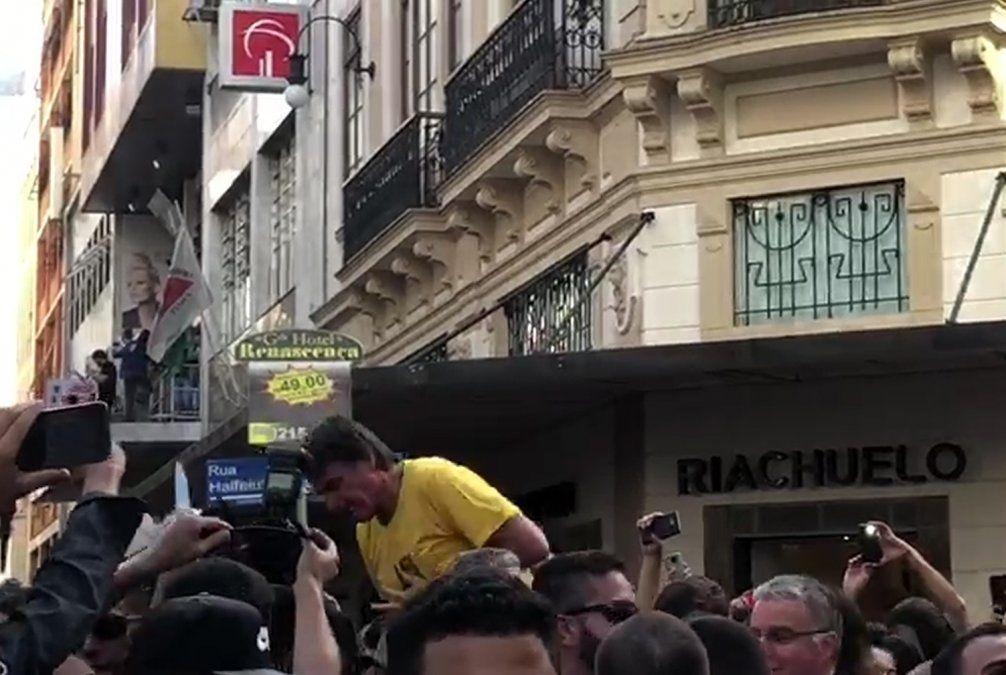 Candidato brasileño Bolsonaro sale de unidad de cuidados intensivos