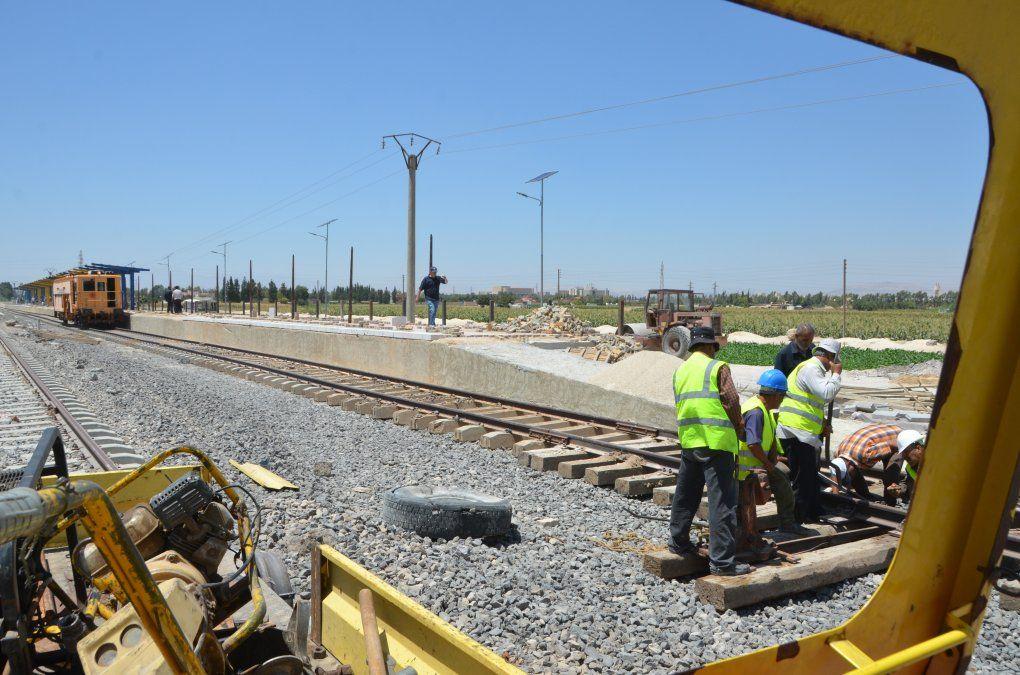 Gobierno sirio impulsa reactivación del ferrocarril para reconstruír ciudades derribadas por bombardeos