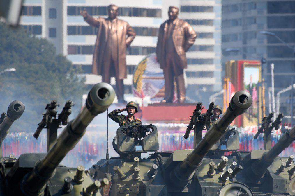 Desfile por el 70 aniversario de Corea del Norte