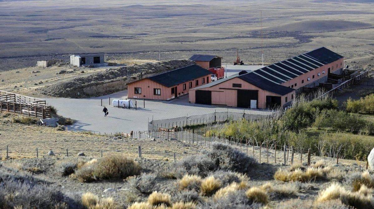 Argentina: Excavan campo de Lázaro Báez en busca de dinero y joyas