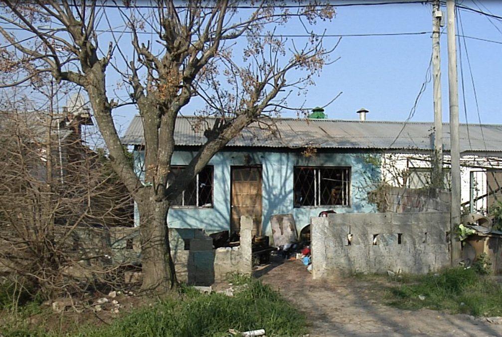 Un hombre en CTI y dos niñas internadas tras incendiarse su casa en La Paz