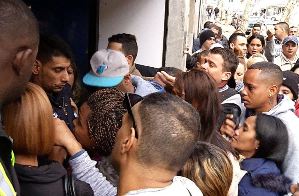 Cubanos en Uruguay denuncian problemas para hacer trámites en la Cancillería