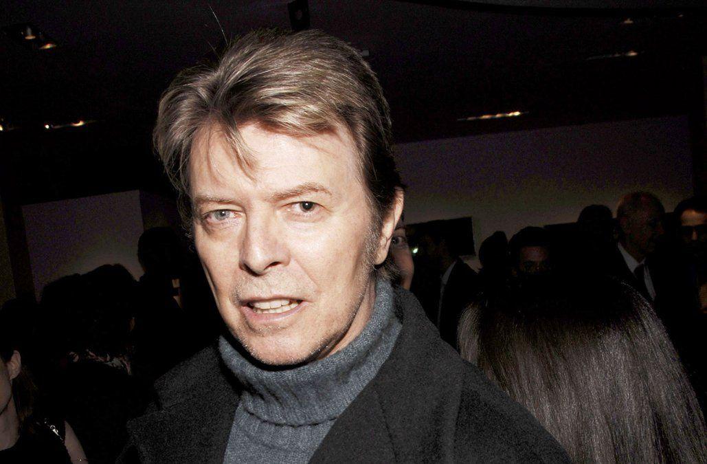 Subastan por 52.000 dólares la primera grabación conocida de David Bowie