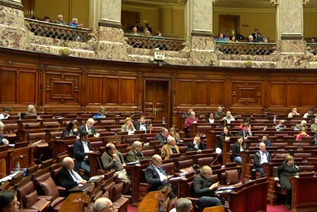 Oposición interpelará a los ministros Ernesto Murro y Jorge Basso