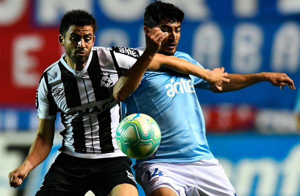 Wanderers le ganó a Nacional 3-1 en el Parque y complicó a los tricolores