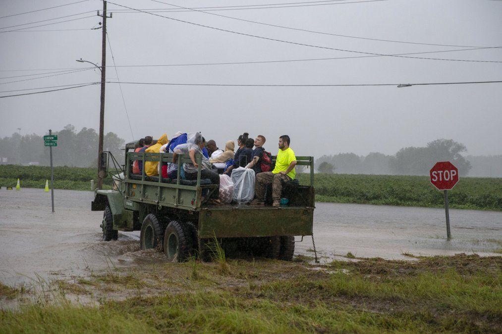 Florence se debilita pero deja 13 muertos y la amenaza de inundaciones en EEUU