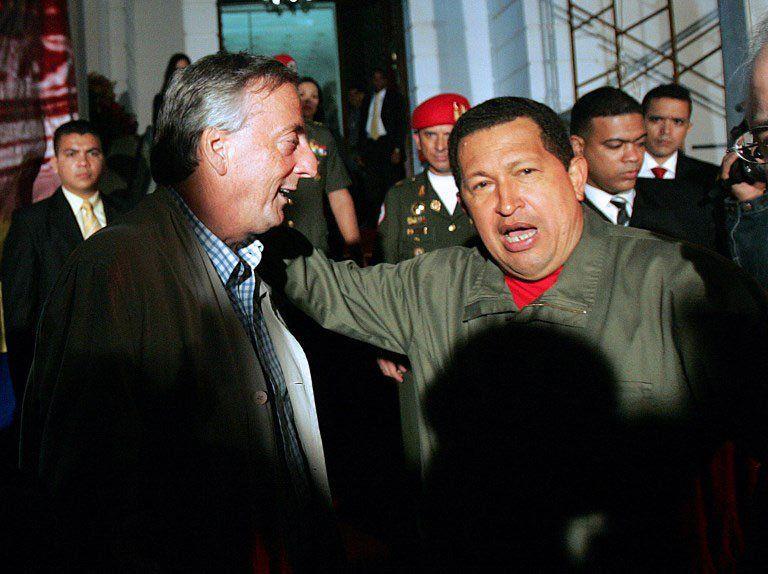 Revelan presuntos hechos de corrupción de Kirchner y Chávez — El Clarín