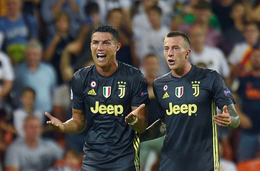 Ronaldo fue expulsado con roja directa y se fue llorando de la cancha