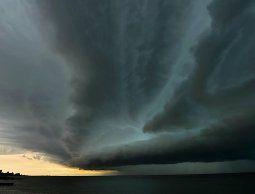 Alerta naranja por tormentas fuertes y lluvias intensas afectará a 13 departamentos