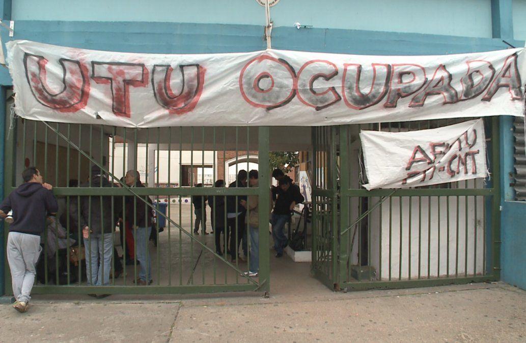 Docentes ocupan UTU de Flor de Maroñas por hechos violentos e inseguridad