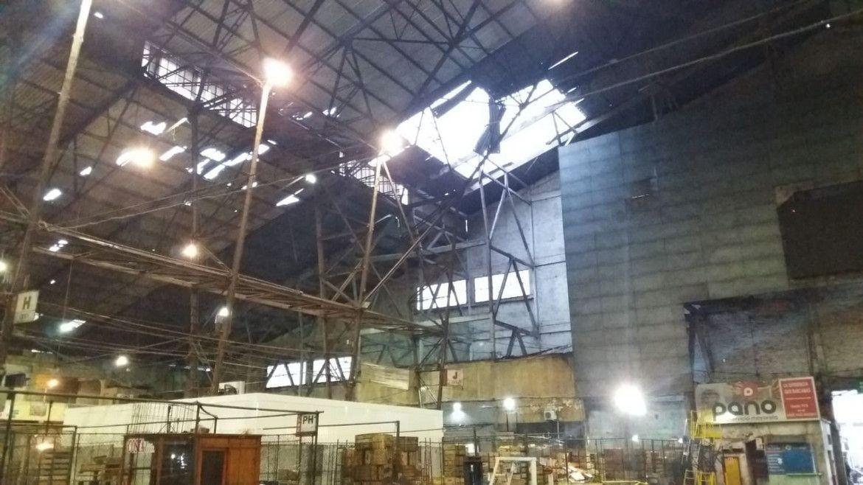Se volaron unos 2.000 metros cuadrados del techo del Mercado Modelo