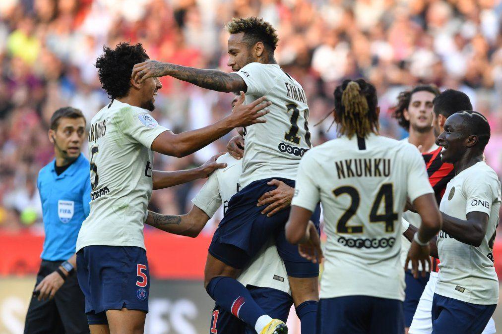 Con doblete de Neymar, el PSG hizo historia al obtener su octavo triunfo
