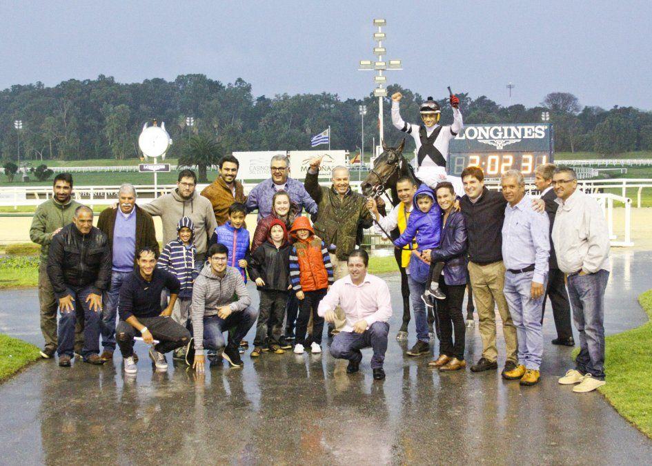 Aero Trem ganó el Jockey Club y quedó a un paso de la Triple Corona
