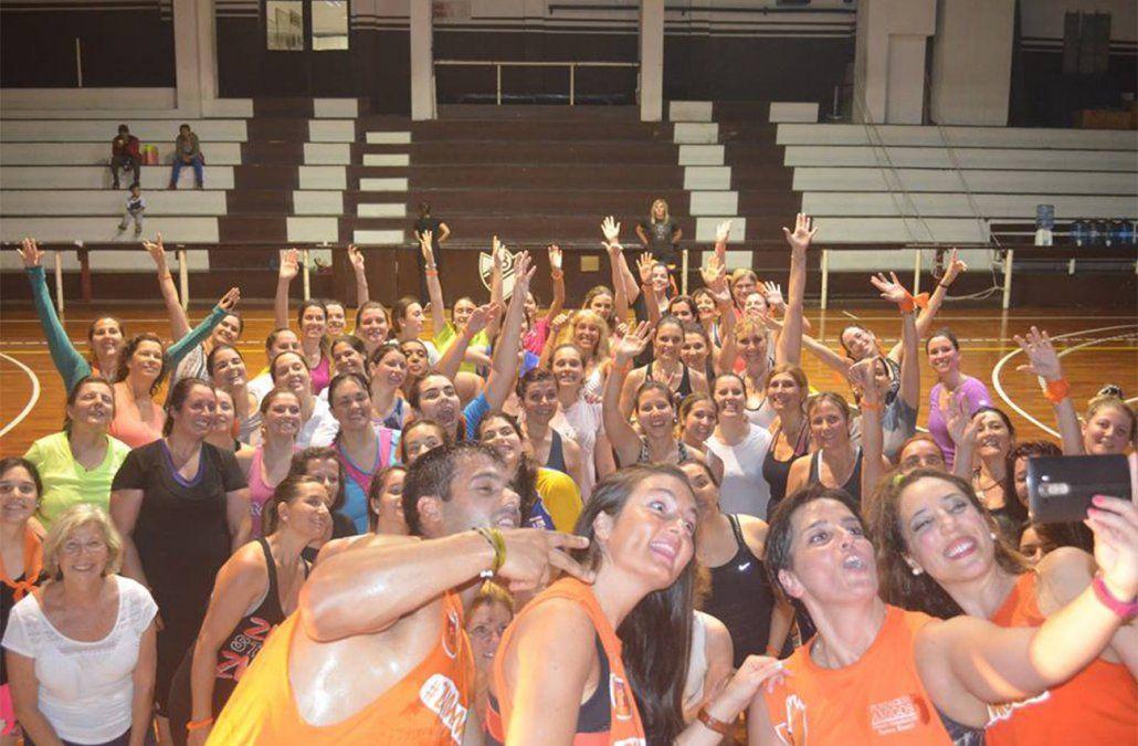 Zumbamigos: zumba a beneficio de la Ludoteca de los niños del Pereira Rossell