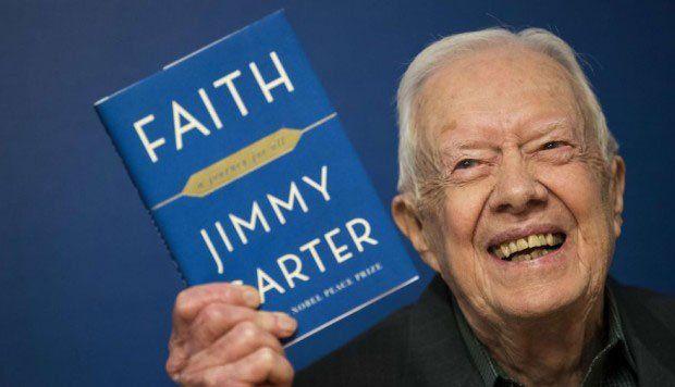 El expresidente presentó su 32° libro en 2018. Se llama significativamente Faith (Fe) sobre sus experiencias espirituales