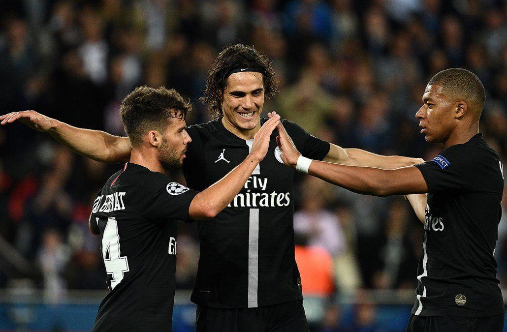 Triplete de Neymar y uno de Cavani en la goleada 6-1 al Estrella Roja
