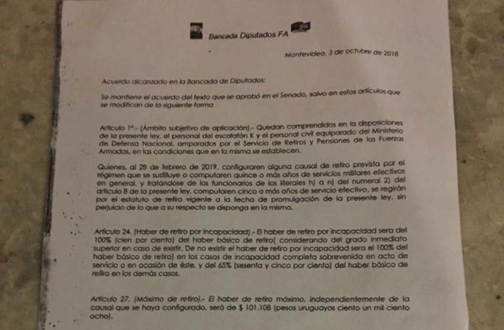 Bancada del FA firmó acuerdo con Darío Pérez para votar reforma de caja militar