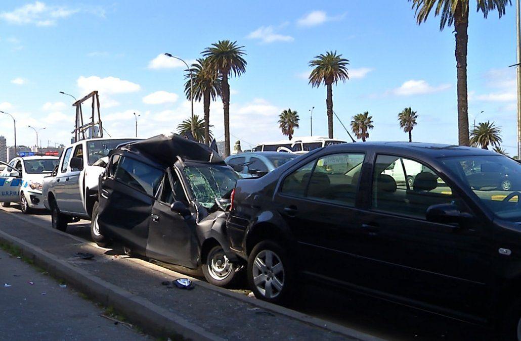 El desmayo de un conductor provocó un impactante choque múltiple en la Rambla