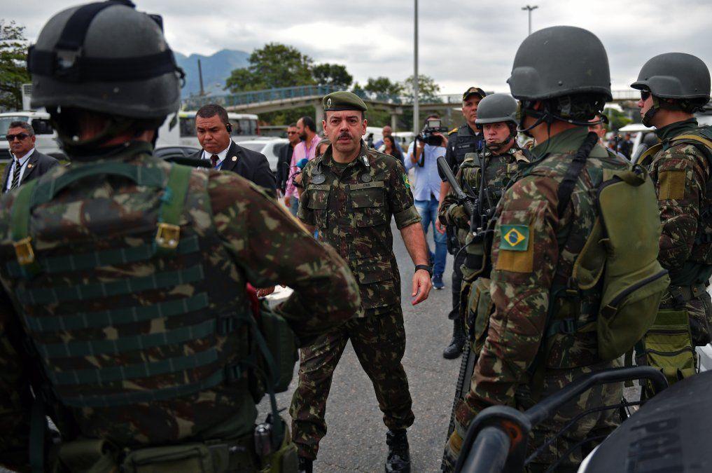 Unos 280.000 efectivos custodiarán las elecciones en Brasil