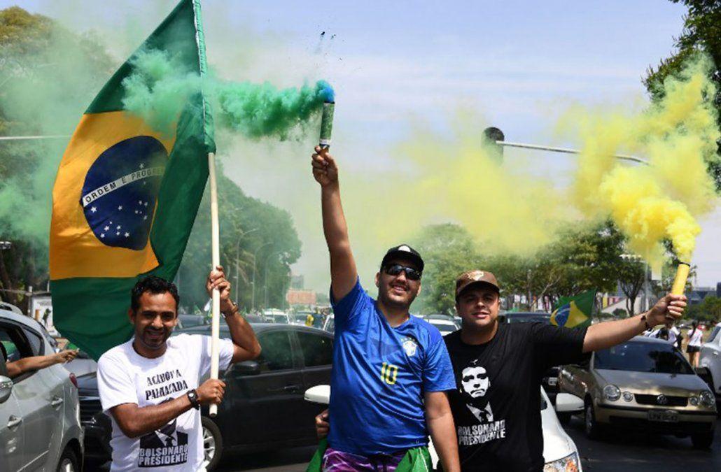 Presidenciables brasileños queman últimos cartuchos para convencer a indecisos