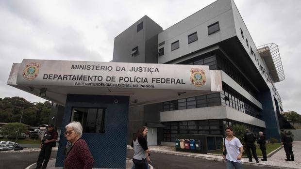 Lula no pudo votar en la cárcel y advierte: la esperanza vencerá al odio