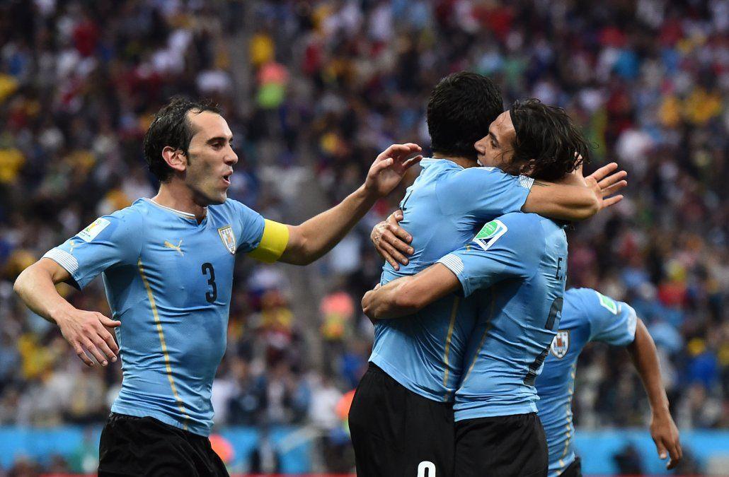 Suárez se sumó a Godín y Cavani como los uruguayos nominados al Balón de Oro