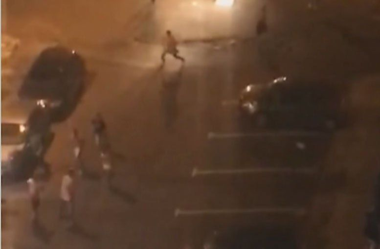 Corridas y golpes entre hinchas de Welcome y Verdirrojo tras suspensión del partido