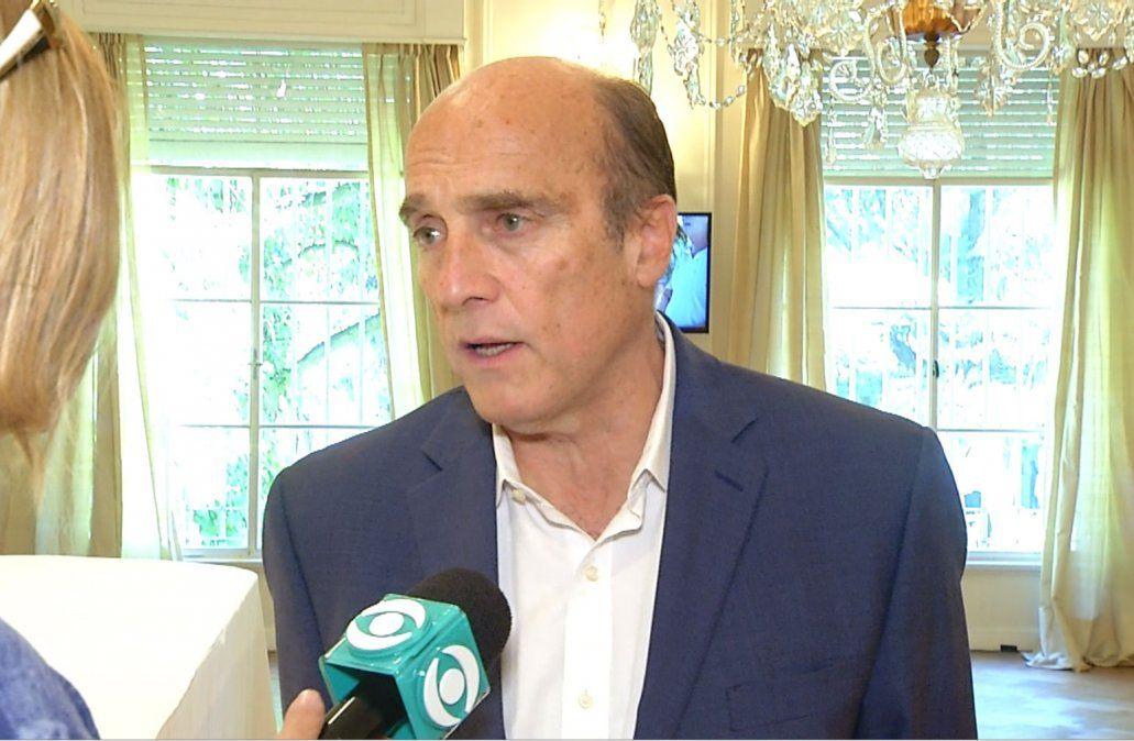 Daniel Martínez lidera la interna del Frente Amplio con el 54%