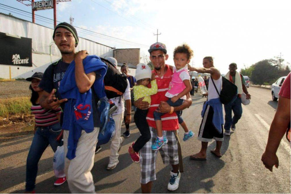 La larga marcha de miles de hondureños hacia Estados Unidos