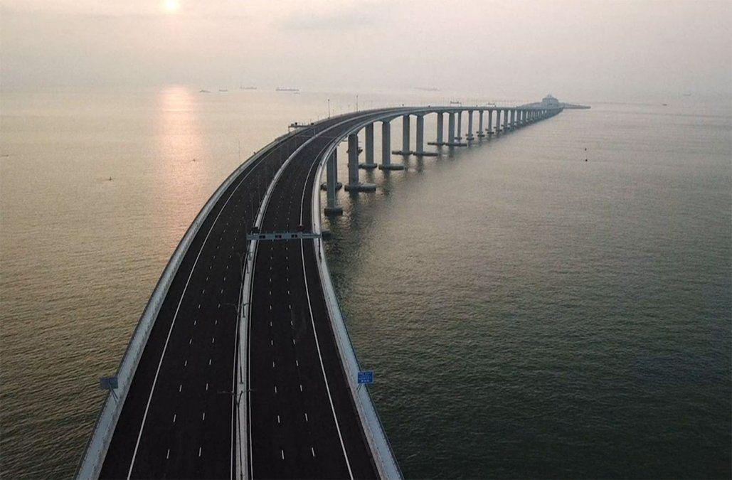 China inauguró el puente marítimo más largo del mundo