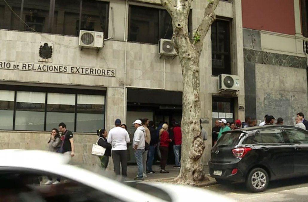 Unos 4.600 cubanos se han instalado en Uruguay con la esperanza de obtener trabajo