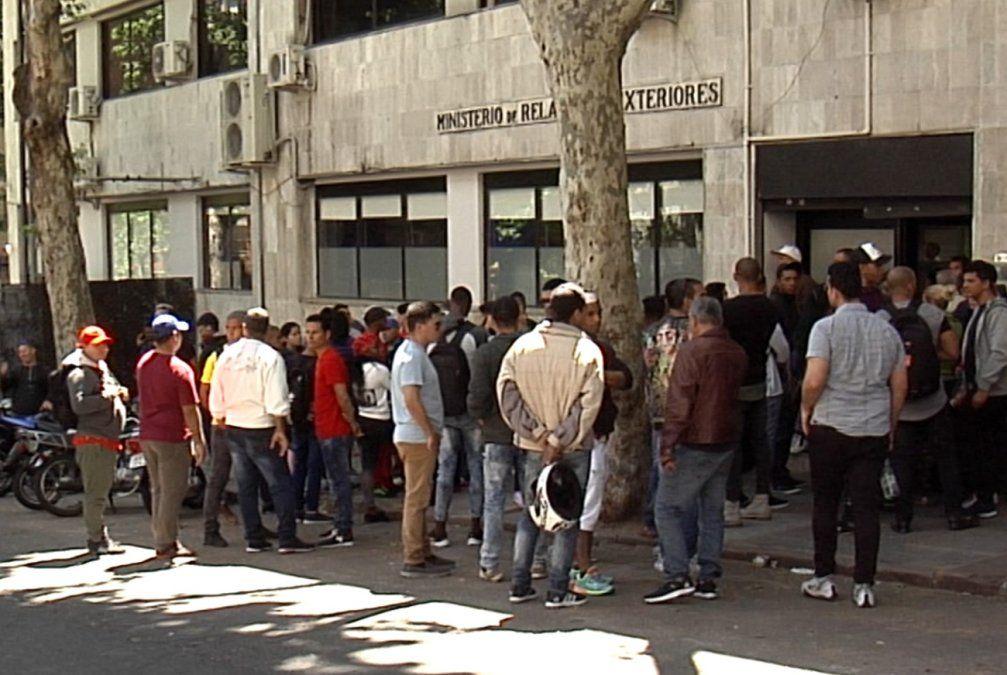 Uruguayos tienen menor cobertura de seguridad social que inmigrantes recién llegados