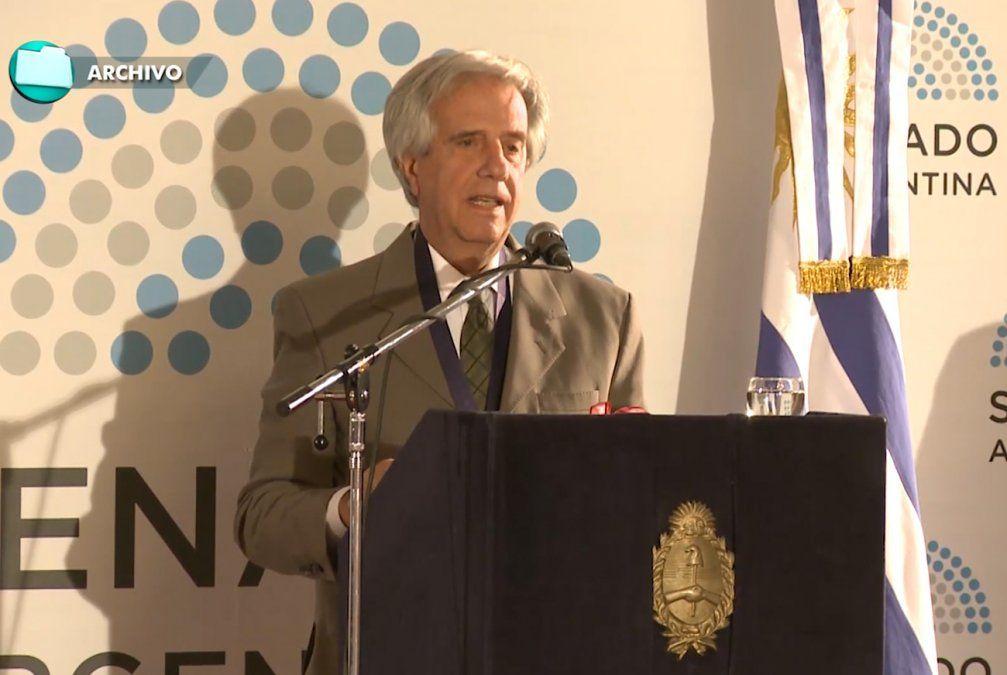 Tabaré Vázquez recibió el máximo galardón de Ciencias Médicas de Rosario