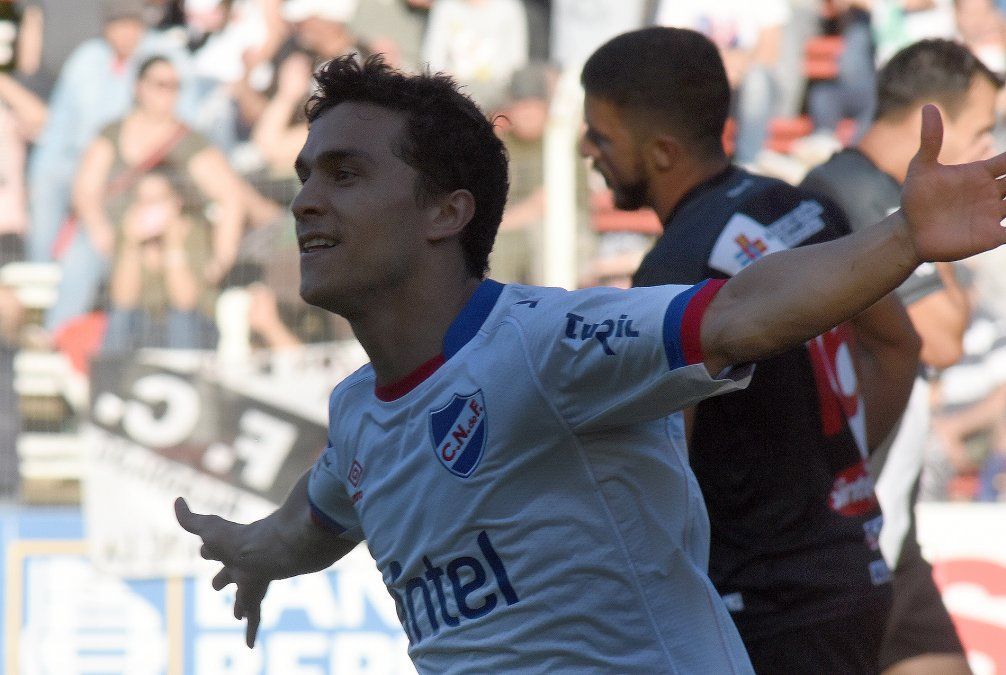Nacional ganó por 1 - 0 a Danubio y se enfrentará a su clásico rival por el Uruguayo