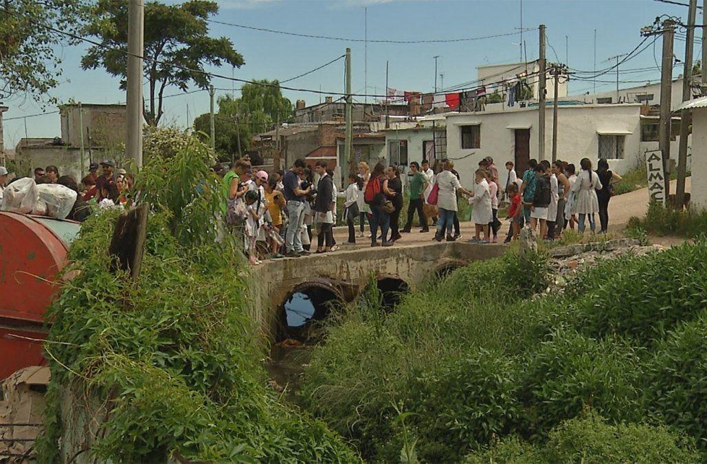 Vecinos de Santa Catalina comenzaron con proyecto para limpiar una cañada y recuperar la playa