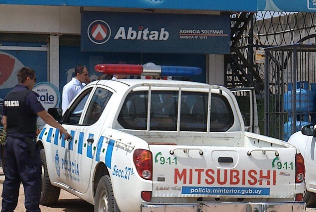 Rapiñaron 2 millones de pesos de un Abitab en El Pinar y luego asaltaron a un camionero