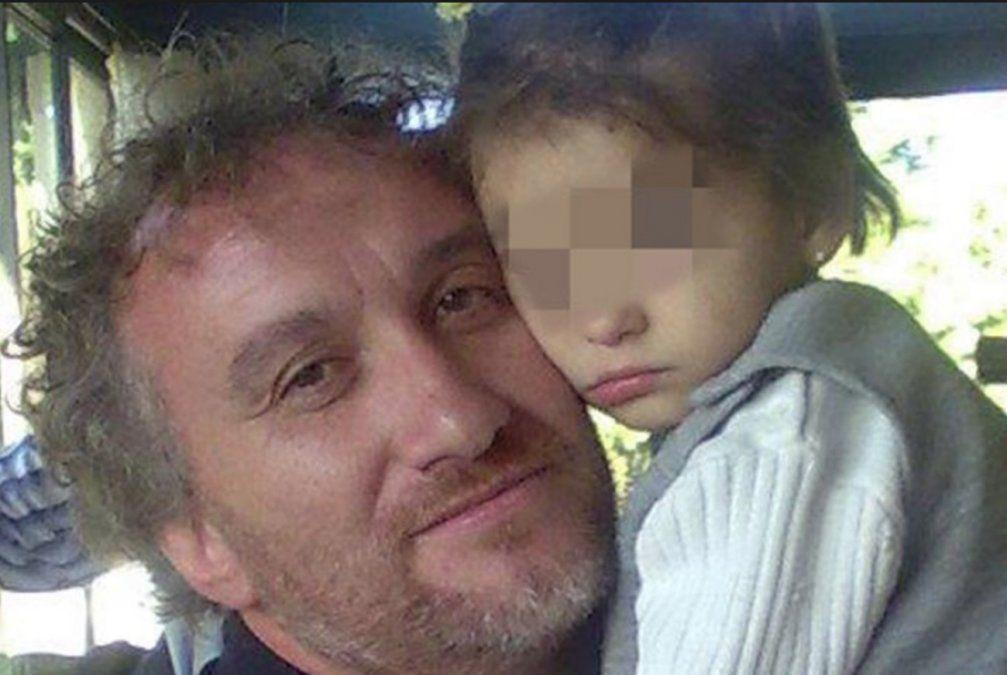 Cinco años de cárcel para un padre español por estafar con su hija enferma