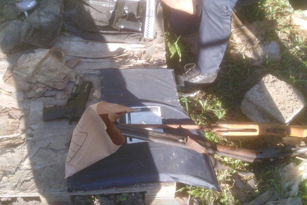 Ocho detenidos, armas y drogas incautadas tras operativo en Cruz de Carrasco