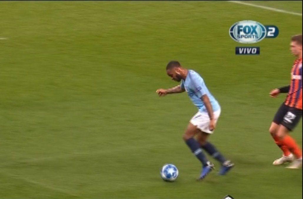El insólito penal que cobró el árbitro a favor del Manchester City