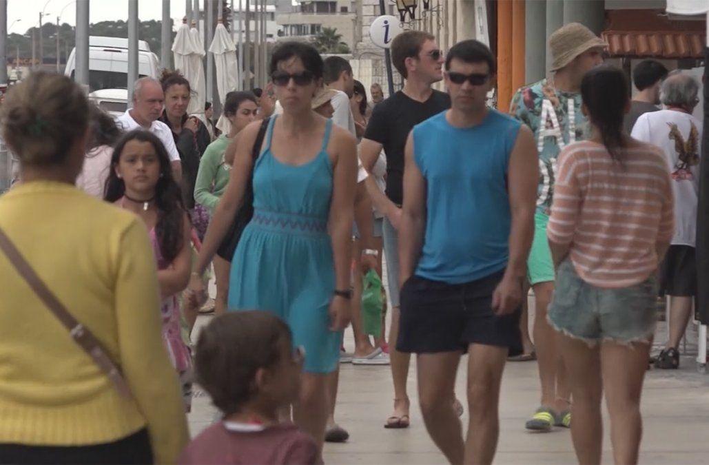 Cae la confianza hacia la democracia; Uruguay registra el peor dato histórico