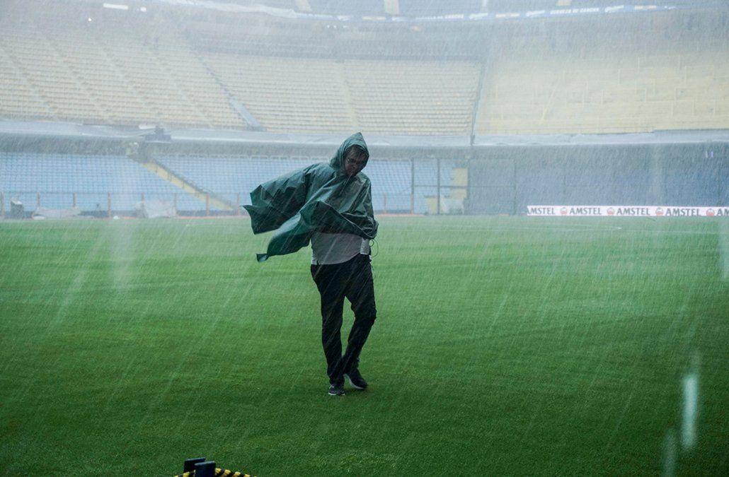 Se postergó la gran final de la Libertadores y el domingo definen cuándo juegan