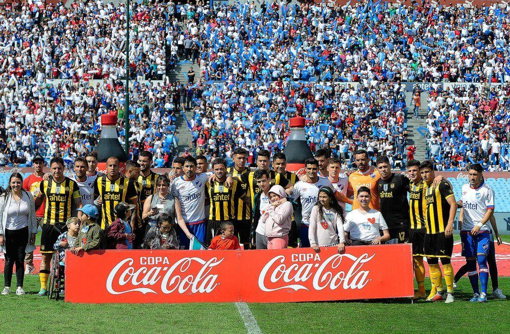 Nacional y Peñarol comienzan a definir el Uruguayo este domingo