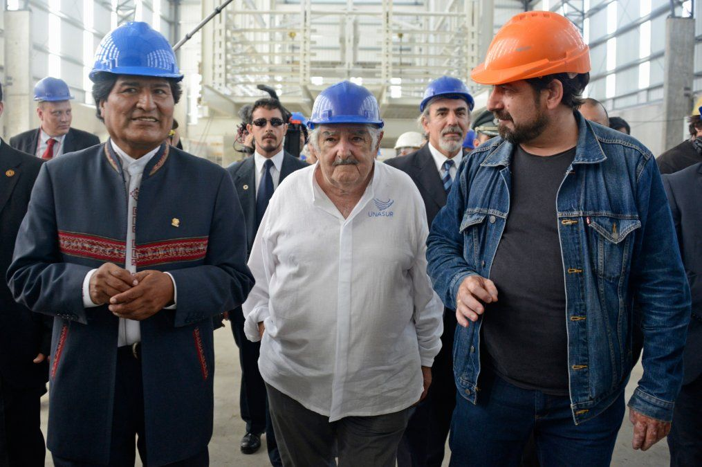 Mujica en la planta de Envidrio
