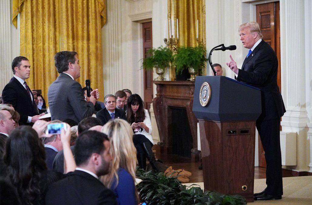 CNN lleva a la justicia la pelea de Trump con el periodista Jim Acosta